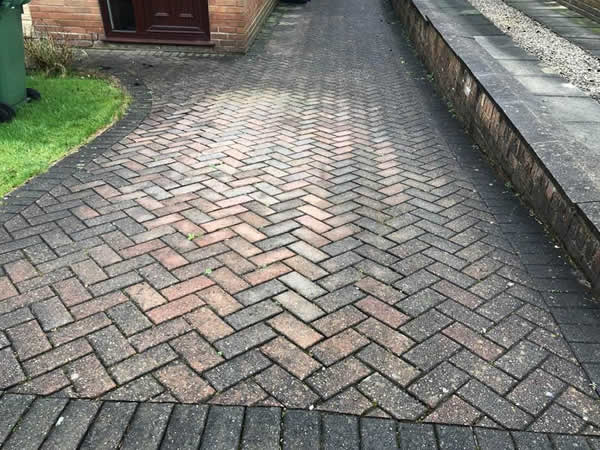 block paving cleaning bolton