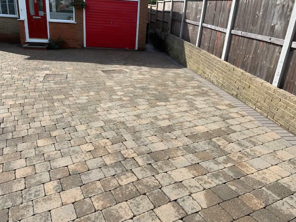 block paving clean bolton